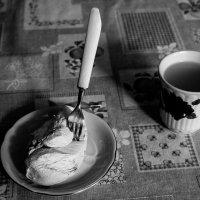 Война-войной, а обед по расписанию. :: Николай Сергиенко