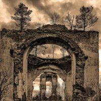 Старая церковь :: Владимир Брагилевский