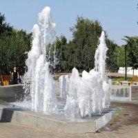 Единственный в городе фонтан :: Татьяна Смоляниченко