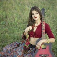 Девушка с гитарой! :: Вячеслав