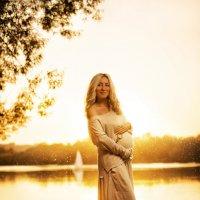 Только беременность может сделать девушку настолько красивой, только биение второго сердца внутри на :: Ирина Скобелева