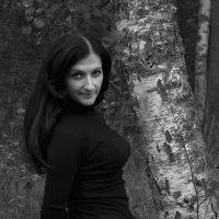 Фото у берёзы. :: Александр Кемпанен