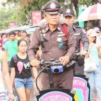 Бангкок, полицейский :: Сергей Смоляр