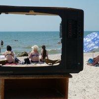 The Box - пляж эмоций. Опять какой-то сериал с утра... :: Александр Резуненко