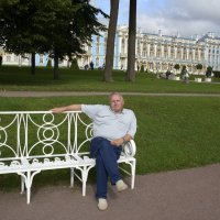 На фоне Екатерининского дворца :: Александр Генрихович Завьялов