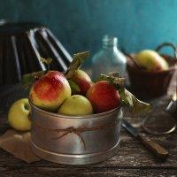 With apples :: Liliya