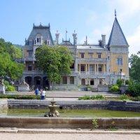Массандровский дворец. Замок эпохи Людовика XVI. :: Валерий Новиков