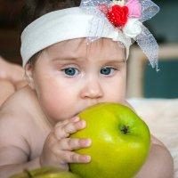 Алисе пол года . :: Андрей Якимюк