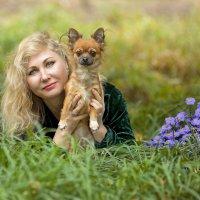 С собачкой БлОшкой и цветочками :: Сергей