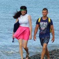 Прогулка по берегу :: Вик Токарев