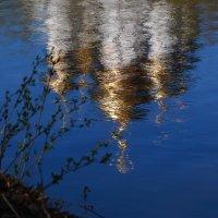 Отражает синь речная... :: kolyeretka