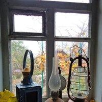 Постаревшие лампы грустно с летом прощались ! :: Валерий Хинаки
