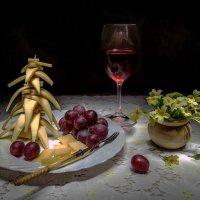 Натюрморт с виноградом :: Ольга Дядченко
