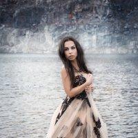 Она знает... :: Elena Kovach
