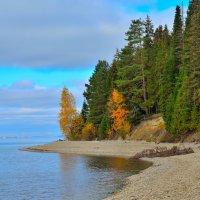 Осень на Каме. :: Александр Зуев