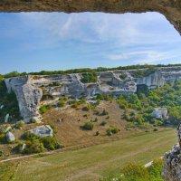 Взгляд из пещеры Эски-Кермена :: Андрей Козлов