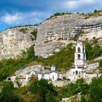 монастырь в горном Крыму :: Андрей Козлов
