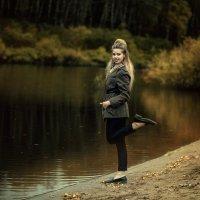 Осень у реки :: Женя Рыжов