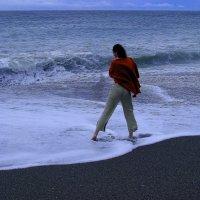 Море. Девушка. И ветер................. А может,  это - Ассоль  ?!!!....... :: Валерия  Полещикова