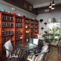 В чайно-кофейном кафе :: Natalia Harries