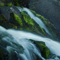 Лесной водопад :: Александр Павленко