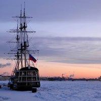 Зима, рассвет, петровская набережная :: Алексей Говорушкин
