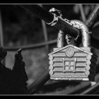 """"""" Дом хрустальный на горе — для неё... """" :: Victor Vinocurov"""