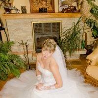 Портрет невесты в домашнем интерьере 2 :: Михаил Тарасов