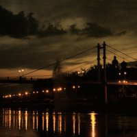 Оренбург. пешеходный мост через урал :: Денис Садчиков