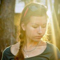 Солнце в волосах лежит
