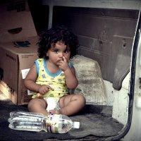 Несчастен ребенок, который на улице получает больше тепла и любви, чем дома. Силован Рамишвили :: алиса Царёва