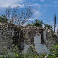Городские руины :: Константин Бобинский