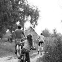 велосипедисты :: Тамара Гераськова