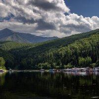 Рыбацкий посёлок в Саянах :: Евгений Герасименко