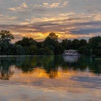 Berliner Sunset :: Melany Kingston