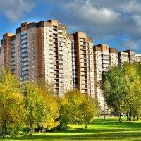 Осень в городе :: Иван Владимирович Карташов