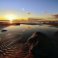 Закат на Финском заливе :: Николай