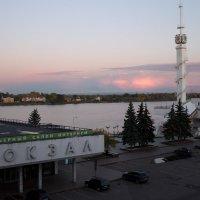 Речной вокзал В Ярославле :: Григорий
