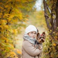 Анечка с собачкой. :: Даша Хмелева
