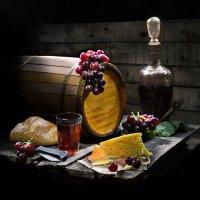 В вином погребке. :: Сергей Фунтовой