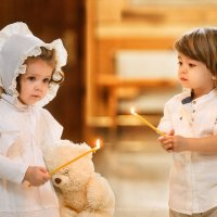 Малыши в храме. :: Наталья Мирошниченко