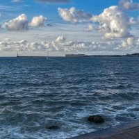 Облака над морем :: Игорь Кузьмин