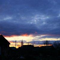 Солнце-ниже, небо-ниже, розовеет ближний край... :: Евгений Юрков