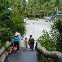 Вид от входа в Океанариум на острове развлечений Vinpearl :: Галина