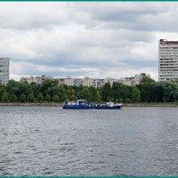 Плыл кораблик по реке... :: Николай Дони
