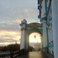 вечер на Дворцовой площади :: Елена