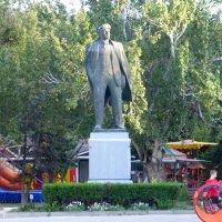 Памятники Ленину :: Наиля