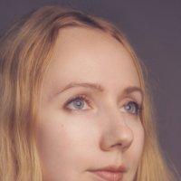 Портрет Стеши в цвете :: Tanja Datskaya