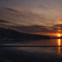 Закат над осенним Амурским заливом. Владивосток :: Дмитрий