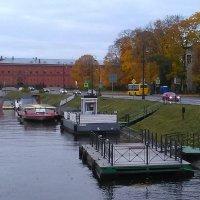 ПРистать водных, осенних трамвайчиков. (С-Петеребург, октябрь) :: Светлана Калмыкова